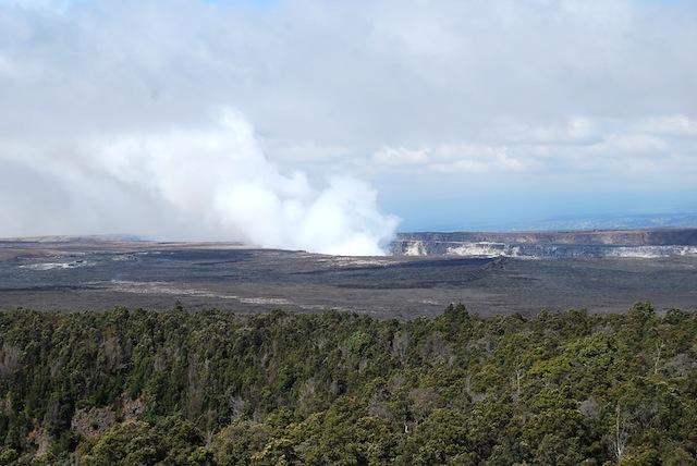怒ると怖い女神の住む火山、ハワイ島キラウエアを歩く