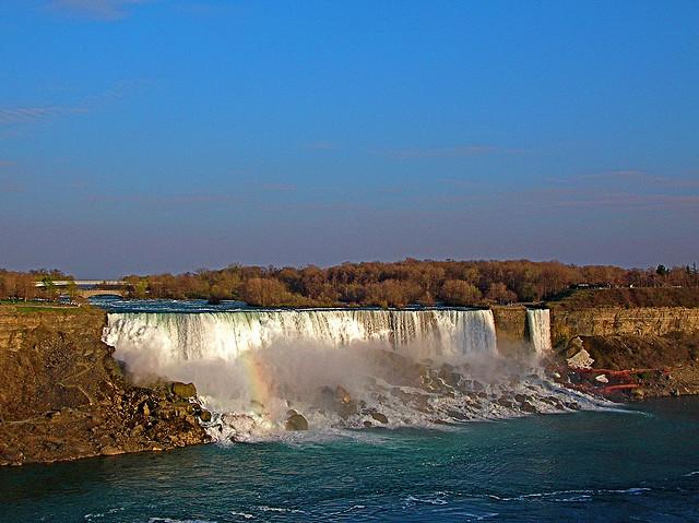 ナイアガラの滝へ「マイナスイオン」を浴びに行こう!