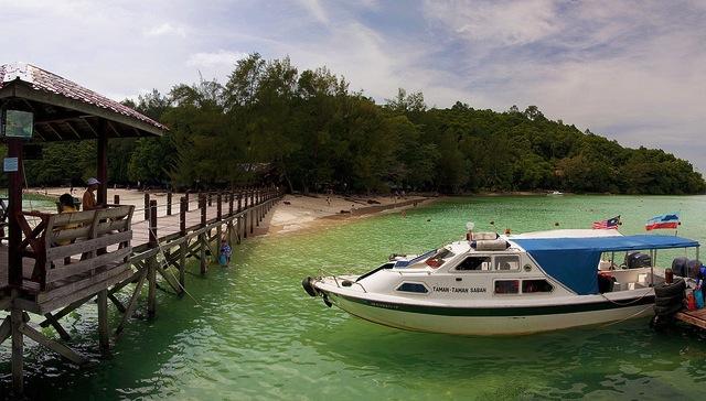 マレーシア・サピ島、シュノーケリングでも行けちゃう「魚たちの楽園」