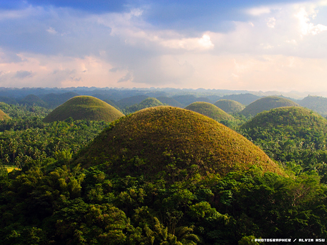 あま〜いの?フィリピンの世界遺産「チョコレートヒルズ」