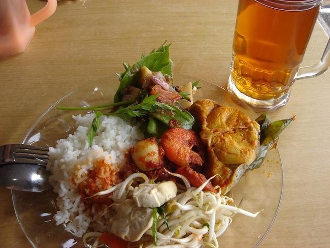 えっ、裁判まで?知っておくべき東南アジアの食事マナー