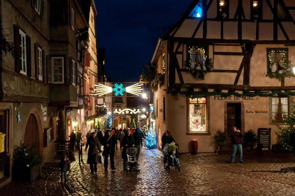 おとぎの国、フランスで最も美しい村「リクヴィール」のクリスマス