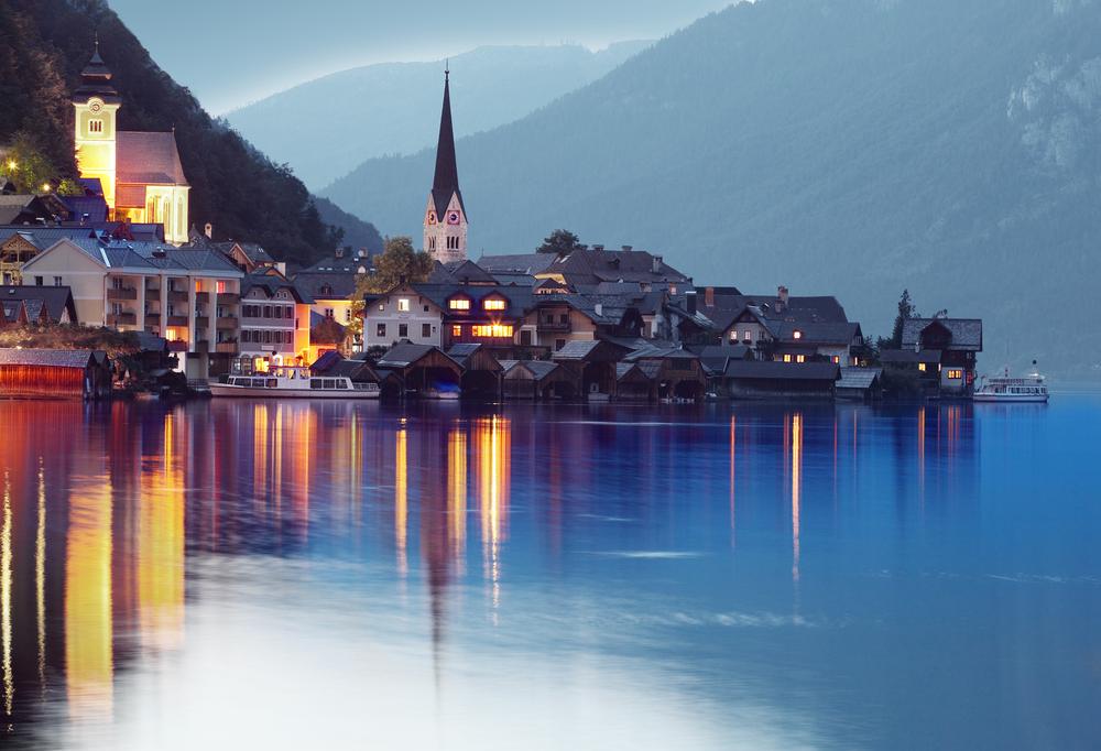 なにもかもが美しい!湖畔の町、オーストラリア「ハルシュタット」