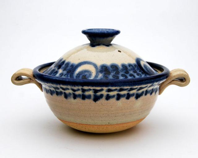 【贈り物にも最適】伝統技術でひとつひとつ手作り、世界に一つだけの土鍋