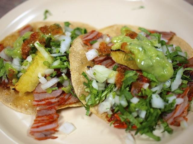 メキシコに行ったら必ず食べたい!タコス・アル・パストール