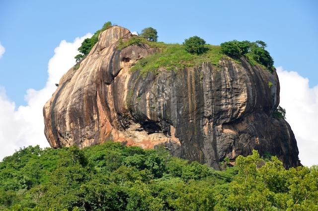スリランカのマチュピチュ!? 謎に包まれた、幻の王宮遺跡「シーギリヤ」