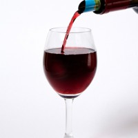 【スウェーデン発】ワインが一滴も液ダレしない、超便利なアートグッズ