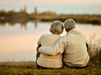 いつも手を繋いで。生涯たった15時間しか離れなかった夫婦のラブストーリー