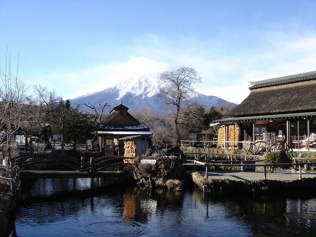 富士山麓の美しすぎる湧水スポット