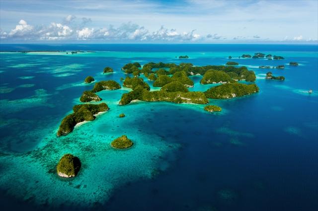 宝石の異名をもつ、世界の7つの海絶景