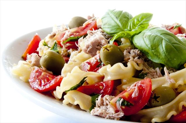 【海外SNSで話題】冷やして美味しいアイディア・サラダ3選