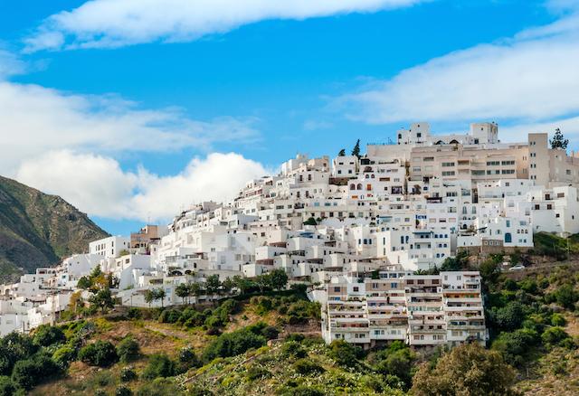 【スペイン】丘の上の美しすぎる白い町、アルメリア