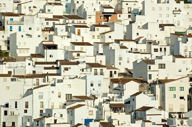 一瞬で恋に落ちる、世界の白い町と村絶景