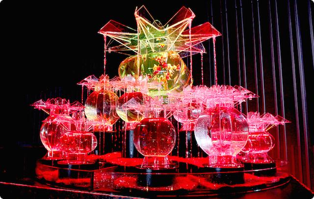 金魚の舞い泳ぐ不思議な世界「アートアクアリウム」が今年も開催