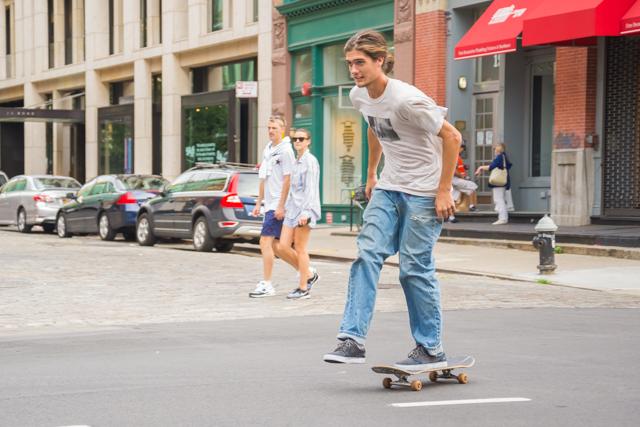 【NYCスケートボード情報】ストリートの風を斬るスケートボーダーになれ!