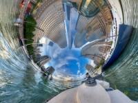 まるで世界を万華鏡の中に閉じ込めたよう…。ランディ・スコットの異次元空間