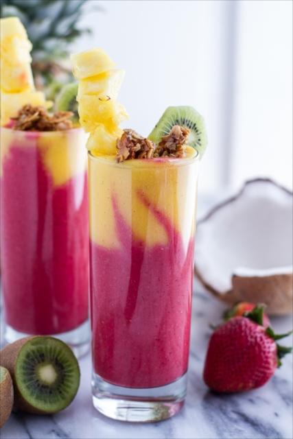 夏場の疲れた身体もフルーツで元気回復!朝食にピッタリなトロピカルスムージー