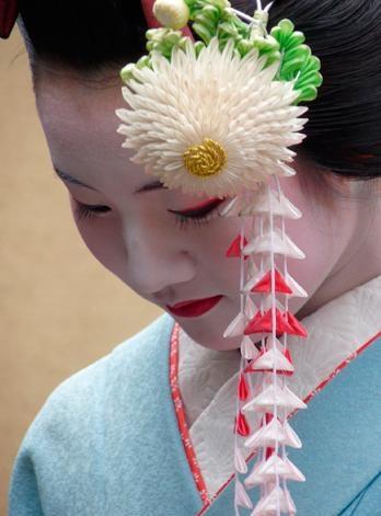 【京都】はんなりしっとり。憧れの舞妓さんに「一見さん」でも逢える場所