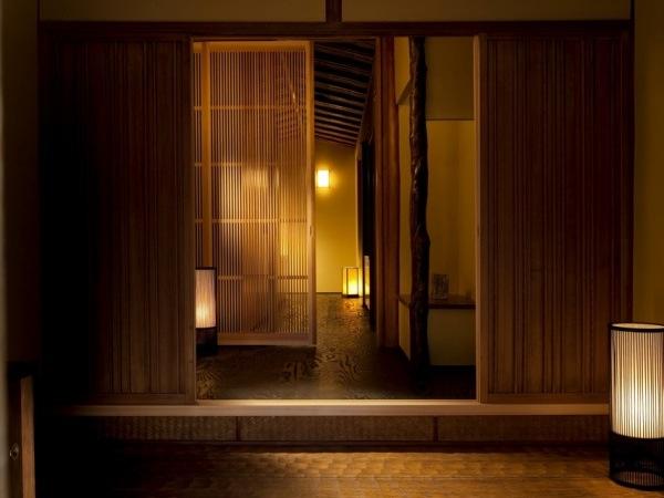 【大人の贅沢】とびきりロマンティックな秋のふたり旅「京都嵐山星のや」
