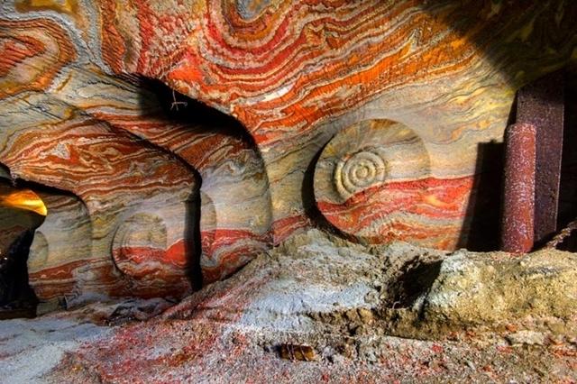 ロシアの地下200mにねむる幻の岩塩鉱山