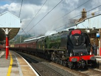 見渡す限り絵に描いたような、夢の世界。電車でぜひ旅してほしい、イギリスのおすすめ鉄道ルート