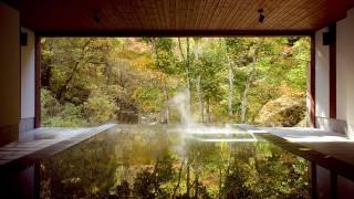 紅葉と専用露天風呂を楽しむ、憧れの宿3選