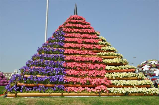 ドバイのイメージを覆す!砂漠の国に現れたお花畑「ミラクルガーデン」