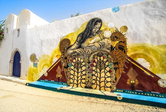 150人のアーティストが集結!チュニジアの町がオープンエアな美術館に
