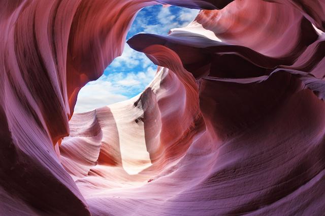 誰もが絶景写真を撮れる!旅人を魅力する渓谷「アンテロープ・キャニオン」