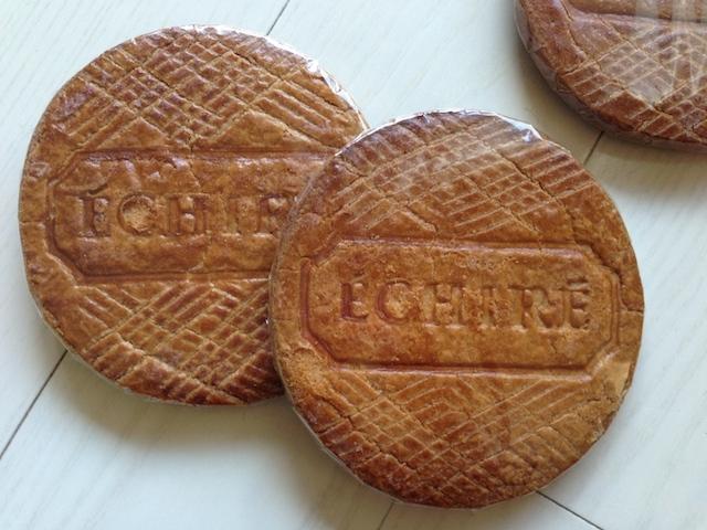 パーティーや帰省シーズンに!砕いて食べる巨大なクッキー「ブロワイエ」