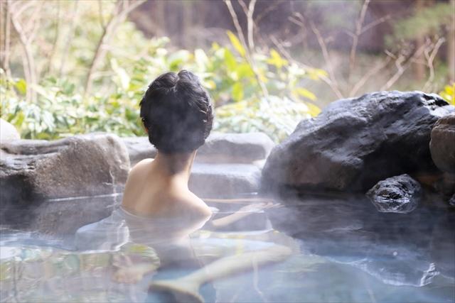 おひとりさまが楽しい!女の一人旅ならココ「温泉地人気ランキングTOP10」
