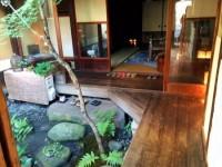 京都+町家+ゲストハウス。海外の人にも人気の「金魚屋」