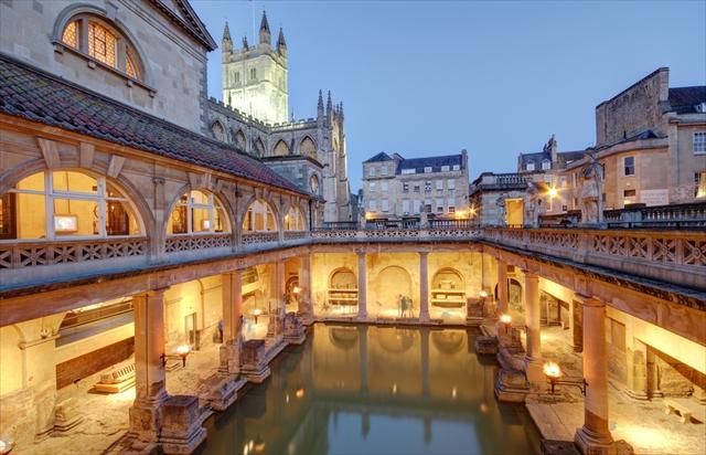 イギリスの上流社会の雰囲気が感じられる都市、バース