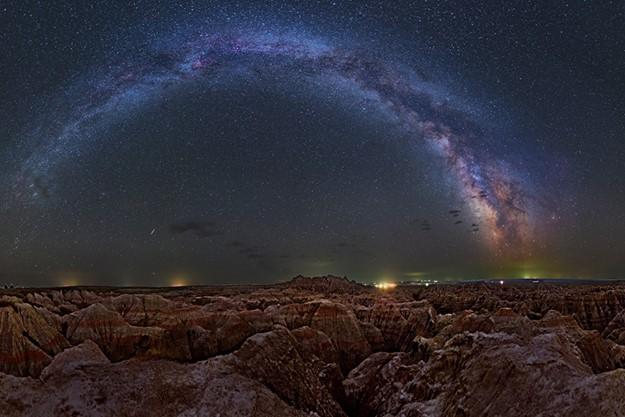 天体写真家が撮影したアメリカ国立公園と天の川のコラボレーション