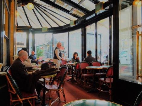 【フランス】かつて芸術家たちが愛した「カフェ・ド・フロール」