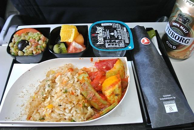 【機内食で世界巡り】トルコ航空 特別機内食「オリエンタル風ベジタリアンミール」