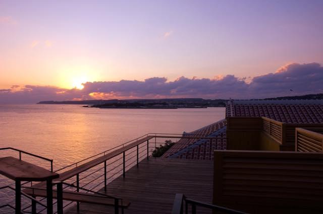 青い海と星空を眺める、ワンランク上の大人の沖縄