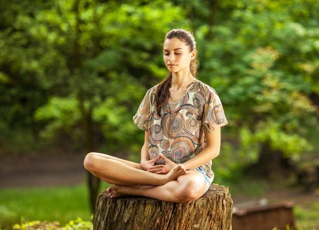 【自分の中に降りていく旅】禅宗に学ぶ簡単お家で座禅入門のススメ