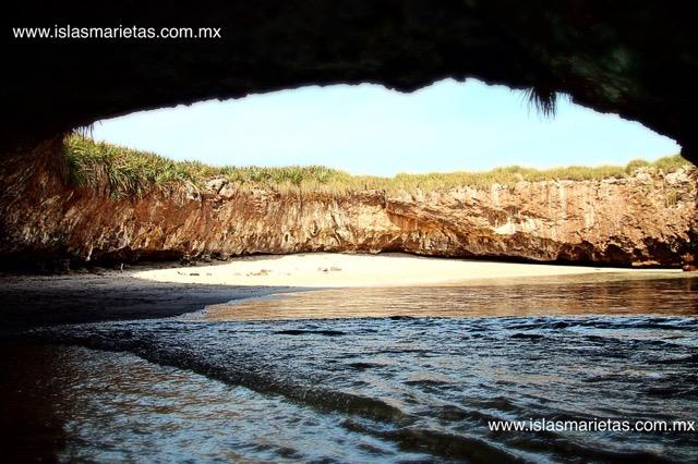 隠された絶景!メキシコにある秘密のビーチ