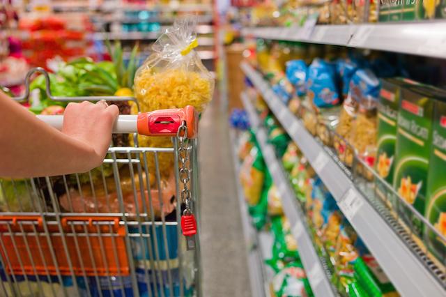 キッチン付きの宿なら、旅先のスーパーマーケット巡りがもっと楽しくなる!