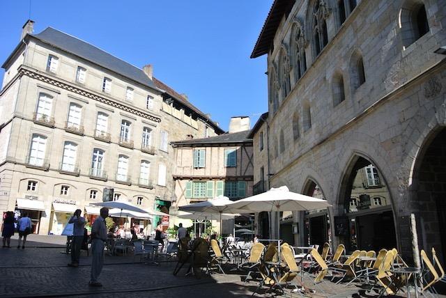フランス南部の小さな美しい町「フィジャック」