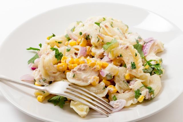 ダイエットのつもりが逆効果!? 太りやすい「サラダ」って?