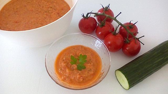 【レシピ】野菜不足の解消にも! スペイン発トマトの冷製スープ