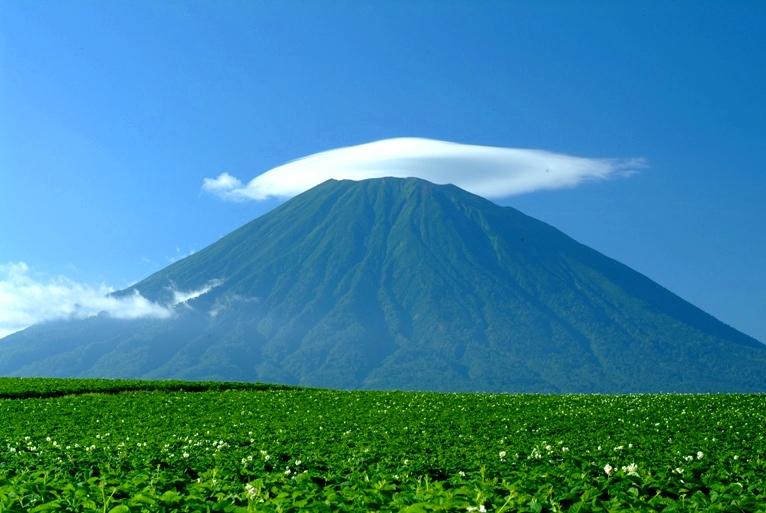 【絶景】日本にいくつある?全国のご当地富士とオススメ富士3選