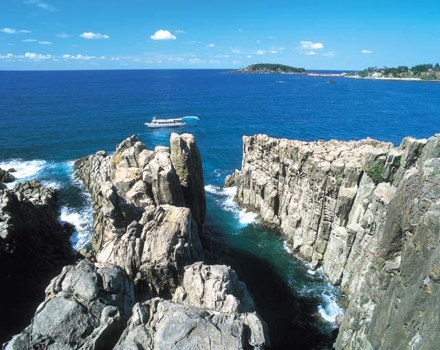 【福井】高さ20mの絶壁から眺める日本海は圧巻!夕暮れの東尋坊