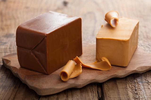 ヤギのチーズ!?ノルウェーのブラウンチーズはお土産にもピッタリ!