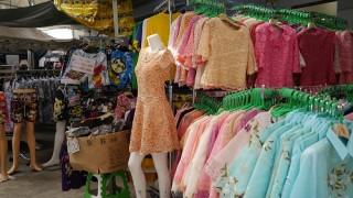 ここはバンコクの原宿。サイアムスクエアに並ぶ激安お洋服たちに大満足