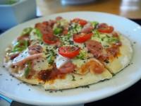 【小笠原・母島】止まらない美味しさ!6食限定のクリスピーピザ