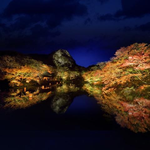 紅葉がイルミのように輝く、九州の知られざる紅葉の名所「御船山楽園」