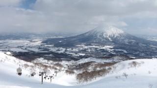 【北海道】そろそろシーズン!外国人も魅了するパウダースノーが人気のニセコ